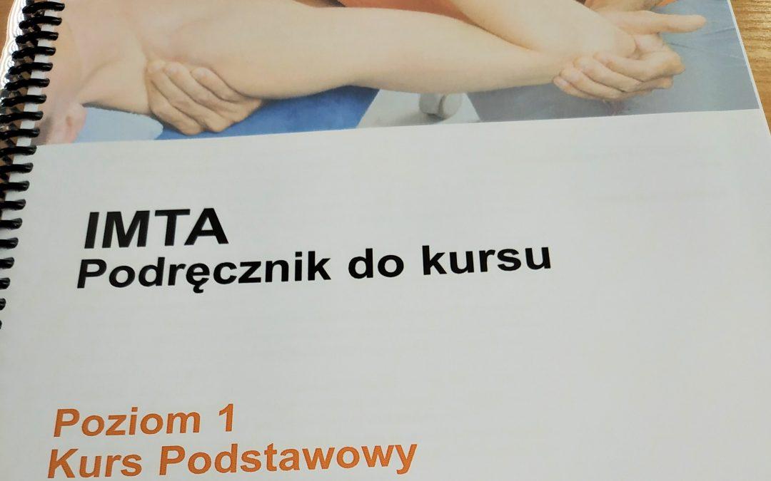 Fizjoterapeutka drn. ozdr. Katarzyna Bażant wkolejnej części kursu terapii manualnej wkoncepcji Maitland